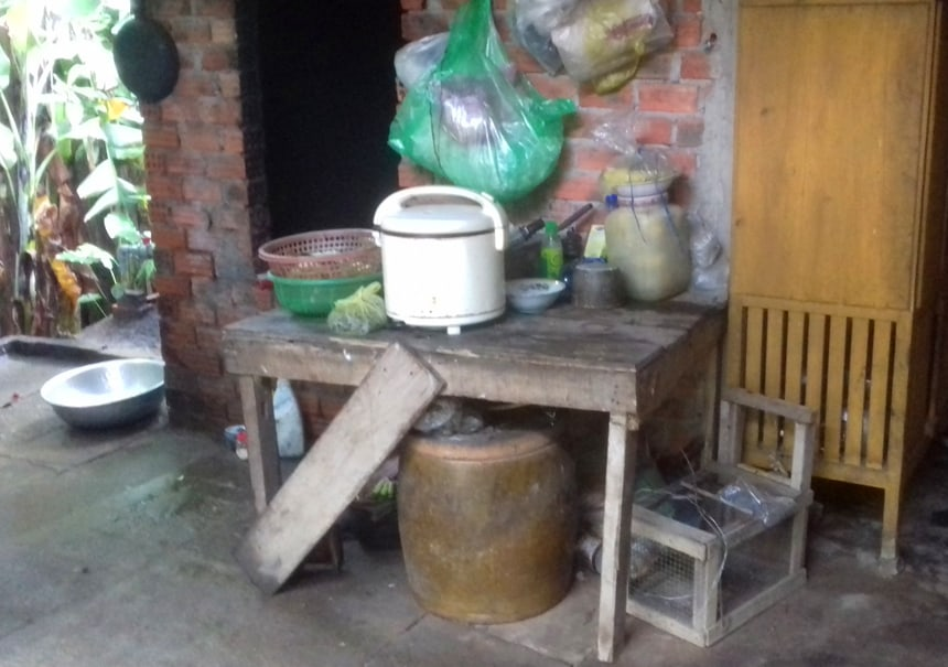 Building Kitchens & Bathrooms for Extremely Poor Families